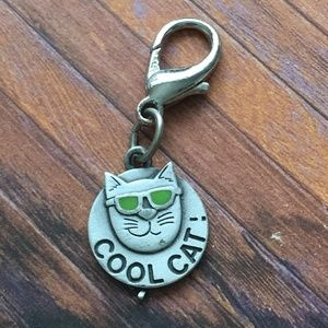 JJ Silver Tone Cool Cat with Sunglasses Keychain